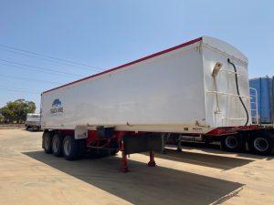 Truck & Trailer Hire | Mildura Truck Hire | Johnson's Truck & Coach Service